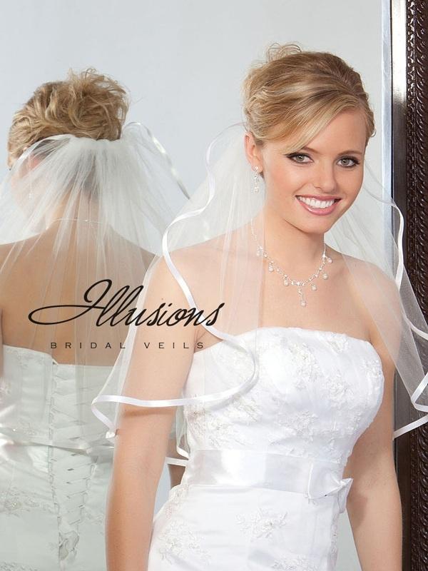 Illusions Bridal Ribbon Edge Veil 1-201-3R: Pearl Accent