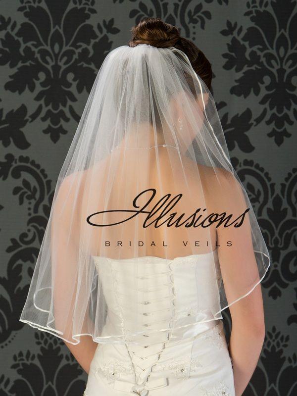Illusions Bridal Ribbon Edge Veil 1-251-1R: Pearl Accent