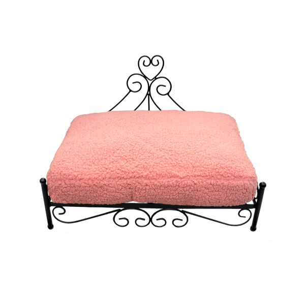 Raised Heart Pet Bed Pink