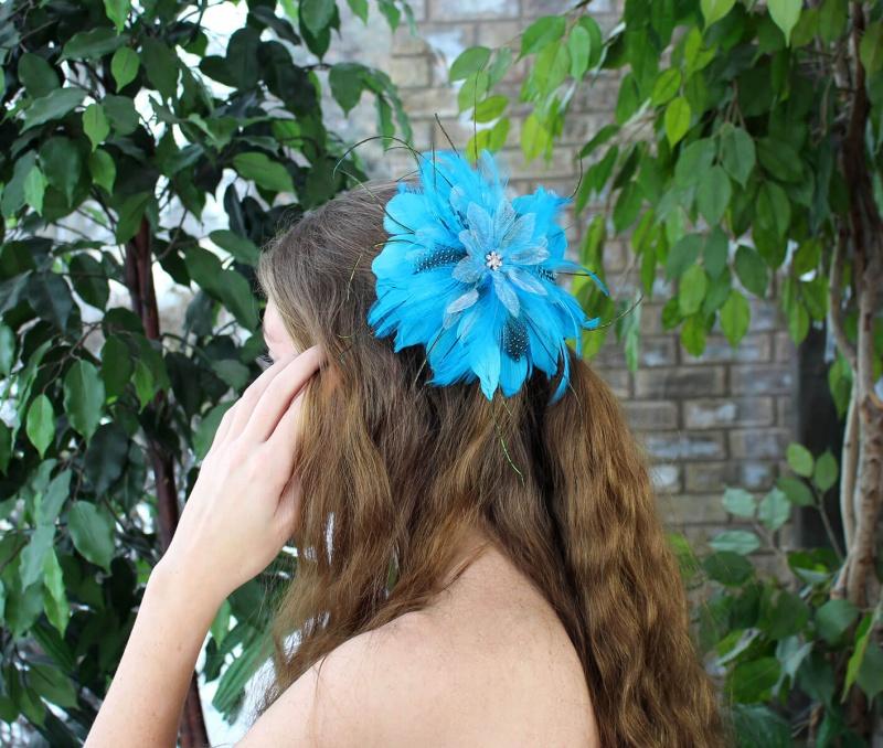 Aqua Feather Hair Clip