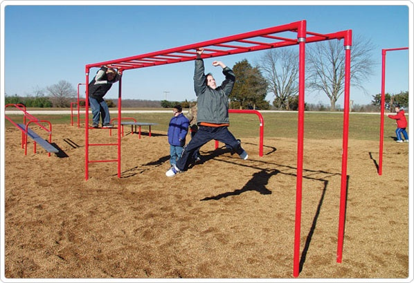 SportsPlay Horizontal Ladder: Galvanized - Playground Fitness Equipment